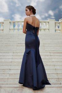 Zvodné dámske spoločenské šaty