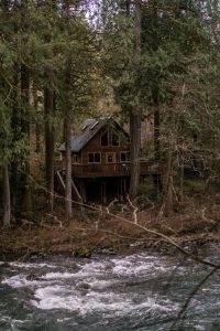 Celodrevený drevodom