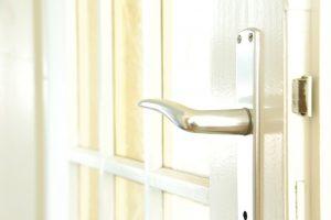 Bezpečnostné dvere do bytu a ch výhody